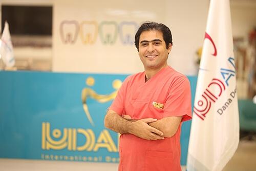 دکتر دانش تیموری