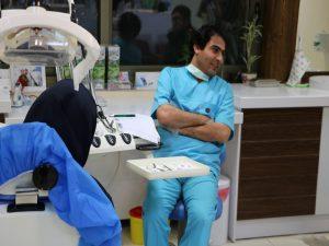 تمیز کردن دندان های مصنوعی